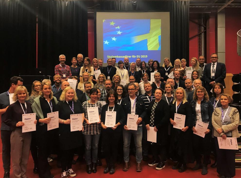 Skolambassadörer för EU - diplomutdelning 2019 för cirka 60 lärare